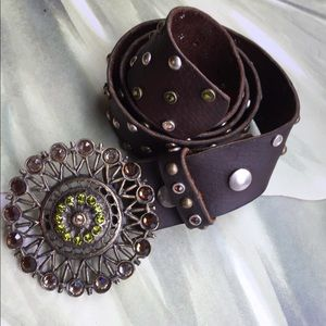 BROWN LEATHER BELT WITH EMBELLISHED BUCKLE